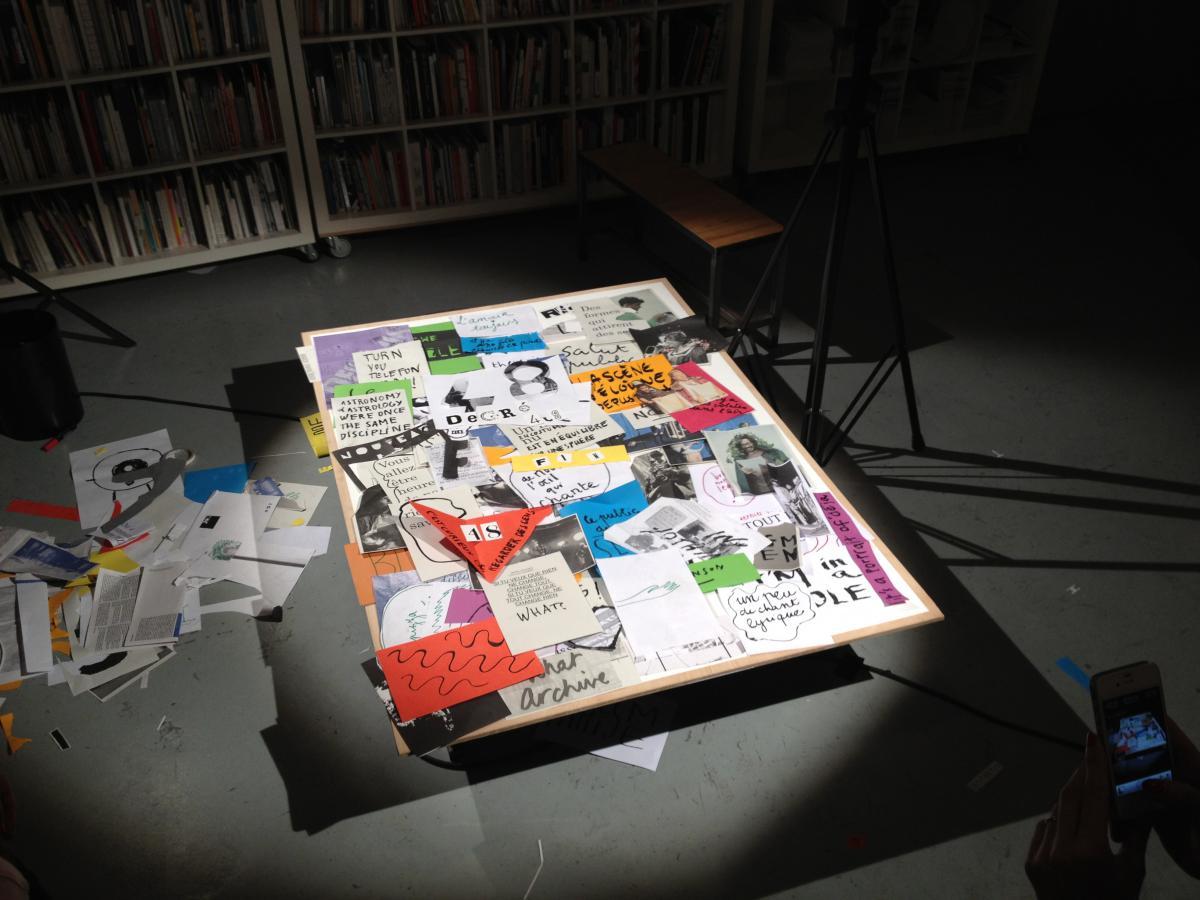 Une table de montage, toujours en construction, photographiée et imprimée toutes les 20 secondes (26 avril 2013)