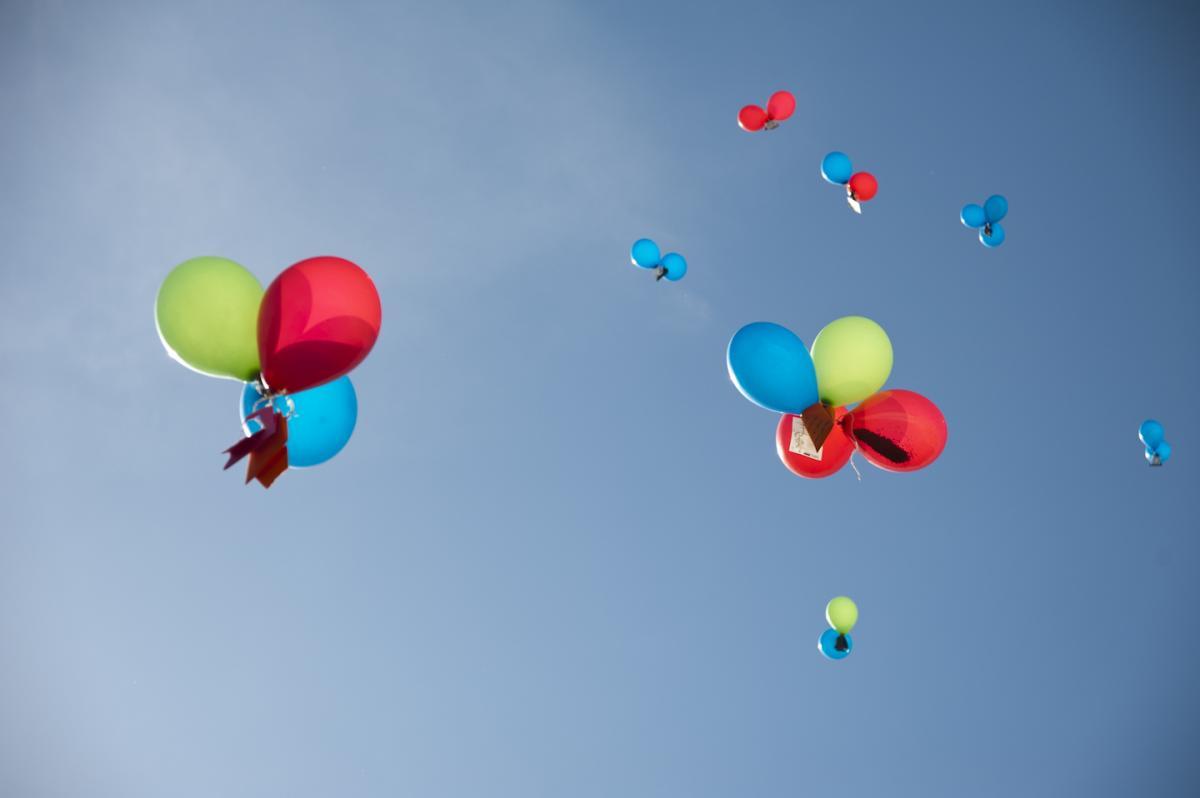 lâcher de ballons et graines, 25 mai 2011 © Ouidade Soussi-Chiadmi